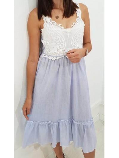 sukienka błekitna z koronką